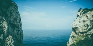 Helga Messel hjälper oss att navigera i myllret av motivationsteorier. Hur tänker de framstående tänkarna och vilka idéer anser de vara värda att ta till sig?