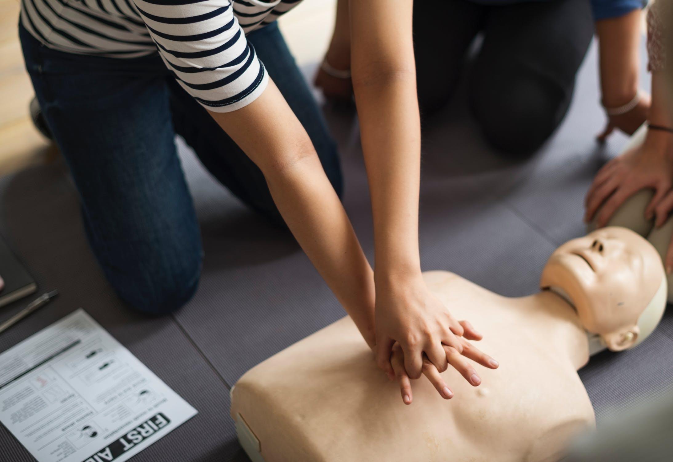 Taking CPR Training In Kent